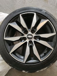 """Chevrolet Malibu 2017 18"""" wheels with tires Mississauga"""