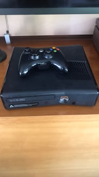 X Box 360 w/ 3 games Washington, 20024