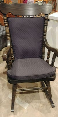Solid wood rocking chair large size Hamilton, L8V 3E4