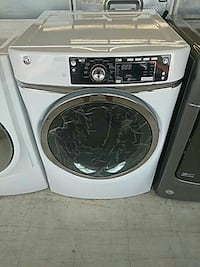 gray and black front-load clothes washer Mount Clemens, 48043