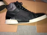 G star raw yard pyro size 11 only use couple of times! Hamilton, L8P 4S1