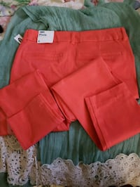 Brand New Old Navy Brand Ankle Lenght Pants. Pexie Bowie, 20715