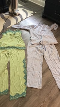 two pairs of green and grey pajama set 50 km
