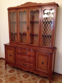 Top glass cabinet of hutch  Vaughan, L6A 4A7
