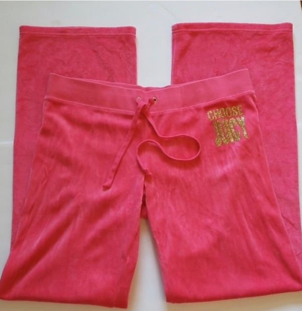 JUICY COUTURE velour pants - large 642a86a1-bba3-4fa6-bd03-7a0f4cc77ed8