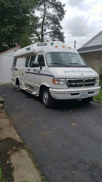1997 Leisure Travel van