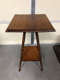 Antique table Ashburn