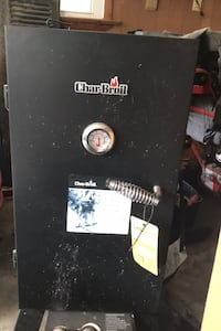 CharBroil gas smoker 600 Berryville, 22611