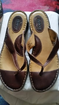 Womens Leather Sandals Born.sz.9. Ontario, M9V