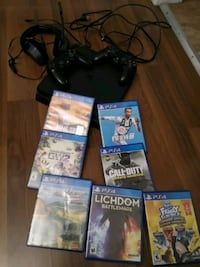 PS4 console, controllers, headset and games Hamilton, L9C 2M2