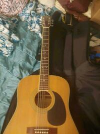 Hohner HW 720s Steel String Acoustic Gutair /w nice softcase