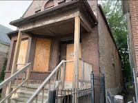 HOUSE For sale 4+BR 2BA Chicago