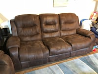 Brown Recliner Chair & Recliner Couch Set Los Angeles, 90035