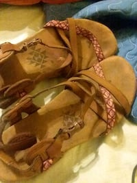 pair of brown leather sandals Pine Mountain Valley, 31823