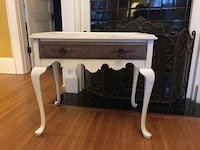 Table/ entry table Mooresville, 28115