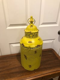 Cool Yellow Metal Lantern!!