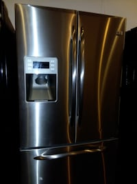 Ge French doors refrigerator excellent condition