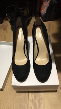 pair of black suede heeled shoes with box Middletown, 06457