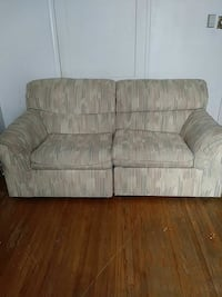 Bernhardt couch (2 middle pieces) that go with it
