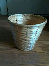 round brown and blue wicker basket Fairfax, 22030
