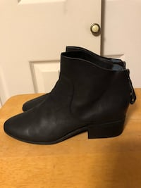 Lucky Brand Women's Size 10M Black Leather Ankle Boots w/back zipper