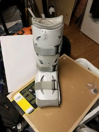 Air cast boot with pump. Brampton, L6V 3C5