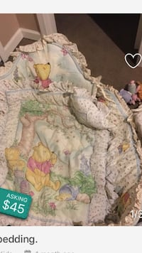 Baby's winnie the pooh themed bedding set