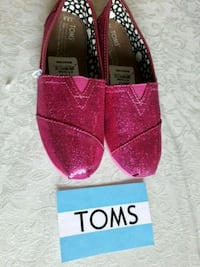 TOMS GIRL SHOES  SIZE 3.5 NEW  Irvine, 92620