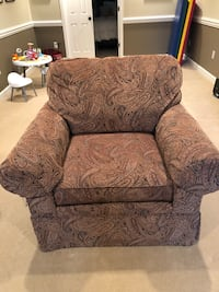 gray and black floral sofa chair Odenton, 21113