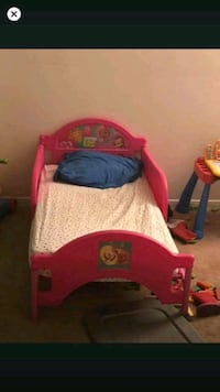 Sold Bubble Guppies Toddler Bed W Sealy Mattress In