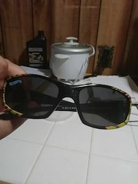 black framed Ray-Ban wayfarer sunglasses Baltimore, 21213