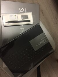 The new surface pro 3  with a new free keyboard and a smart pen 纳奈莫, V9T 0C6