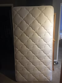 quilted white and gray floral mattress Halton Hills, L7J 3A3