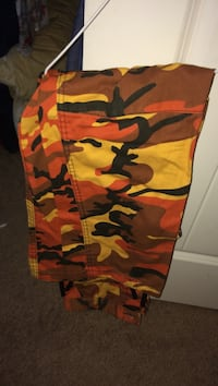 Orange Rothko pants (small) Langley, V2Y 0C3