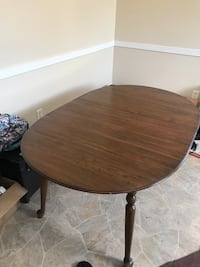 Kitchen table- very good condition!! Guilford, 17222