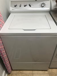 Maytag washer and dryer- great condition !