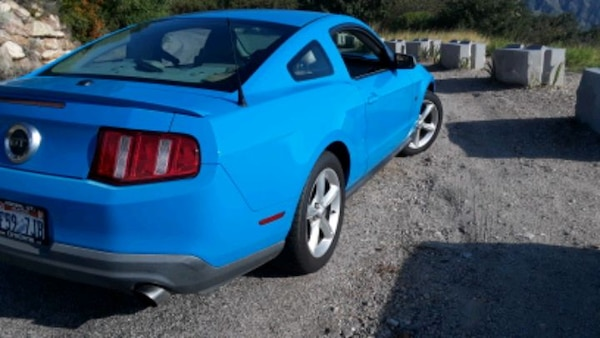 2010 Ford Mustang 31b29664-a1fa-43de-ae2a-28f8314afc75