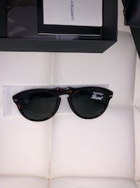 Brand new Persol Sunglasses 200$ or best offer