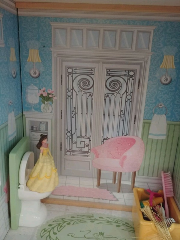 Wooden doll house  dcc7227a-b0c2-445a-9d76-844c1fadc274