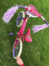 "Girls 16"" bike with training wheels Corinth, 76210"