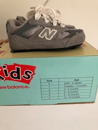 Infant  New Balance   Tennis Shoes (Gray) size USA 2 Germantown, 20874