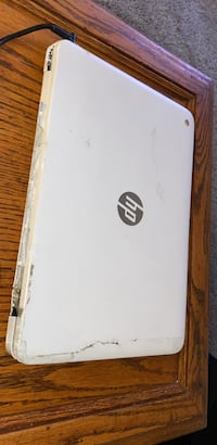 hp14 chromebook 3gb, 4 gb perfect working condition with minor plastic damage so OBO Las Vegas, 89103