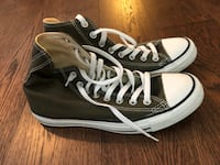 olive green converse chuck taylors size 8 mens (10 womens) Vancouver, V6B 0E7