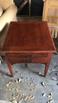 Brown wooden 2 drawer side table