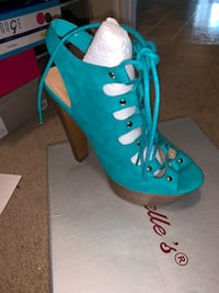 Sexy Aqua heeled sandals worn only once size 7 Missouri City