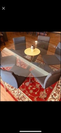 Large glass dining room table with chairs Toronto, M4Y 1X9