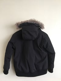NorthFace Down Jacket Youth 10-12 MED.  Toronto, M8Y 4C2