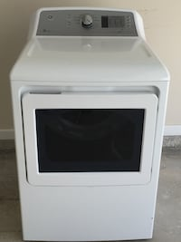 Dryer. Excellent condition. Like new. Only used for 6 months.