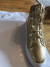 Gold Katy Perry high tops size 8 New York, 11231
