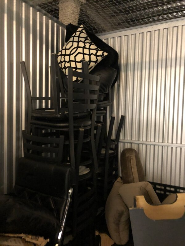 4 Dining/Kitchen/Restaurant Chairs 95ab400c-c81a-491e-89c3-4015d02687a7